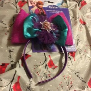 Nwt frozen head band